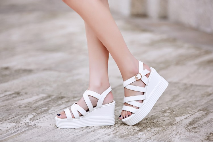 2018 fashion open toe slope with women sandals