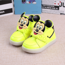 2017 Hot kids LED flashing light Sports Shoes children shoes