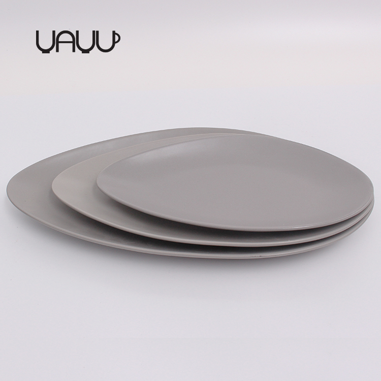 Irregular shaped Nodic style server matte color customise colored ceramic plate