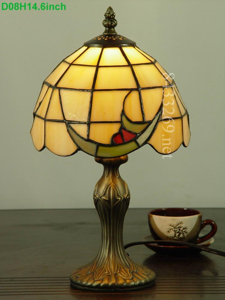 Wholesale Hot Selling High Quality 8 Inch Tiffany Classic Style Table Lamp To Decorate The