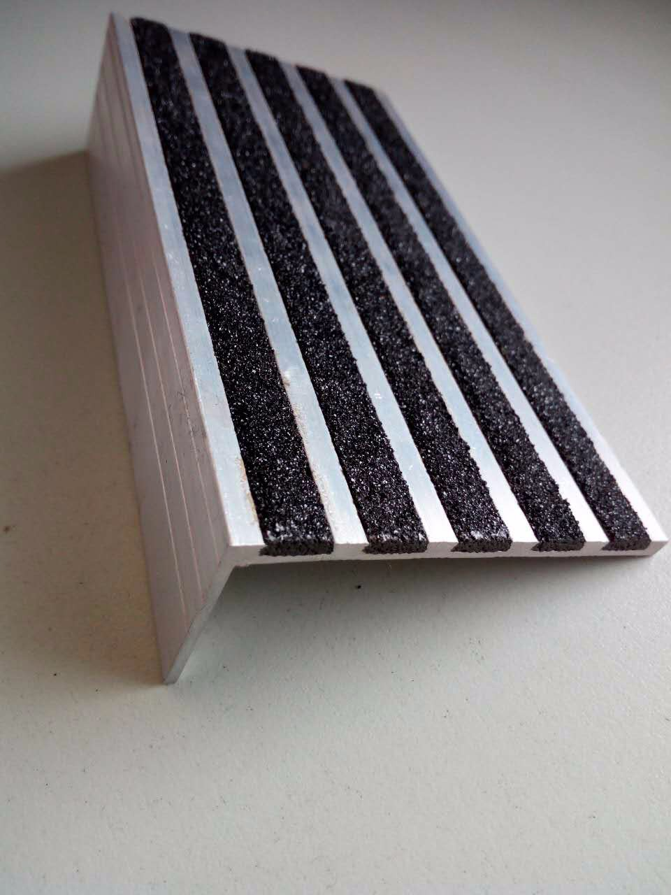 Square Aluminum Stair Nose Treads And Nosing For Sale