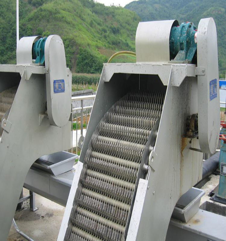 Rotary bar screen machine for waste water treatment