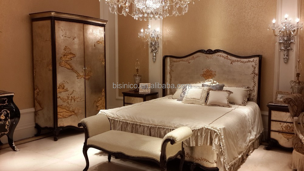 Vintage Lacquer Wooden Bed Antique Reproduction Bedroom Furniture Set Elegant Gold Painting Palace