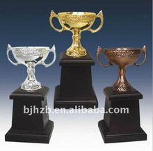 gold,silver and bronze trophy cup