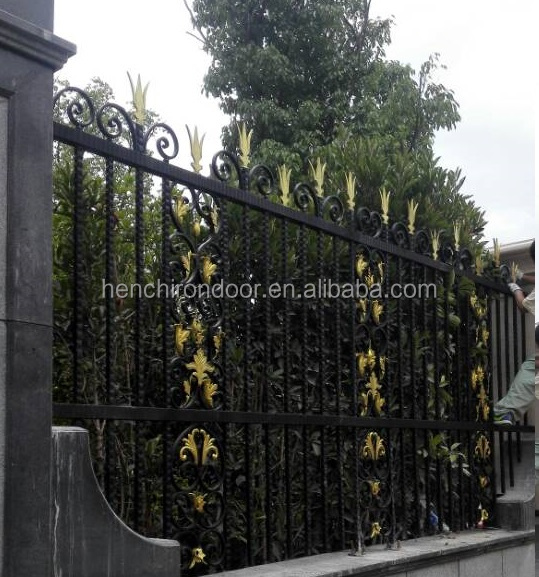 Custom Design Villa Wrought Iron Fence/ Home Forged Iron Fences Hc-F6