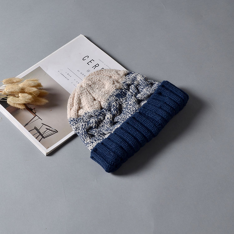 7de8e68e983 Cute Winter Acrylic Women Sport Satin Lined Cable Knit Beanie - Buy ...