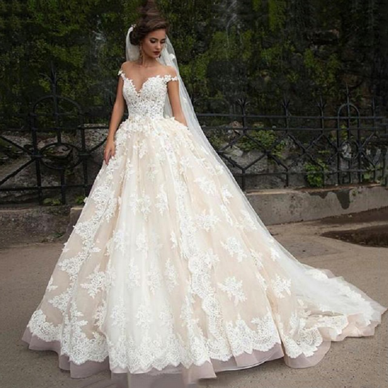 Wedding Dresses Ball Gown Princess: Sexy Lace Ball Gown Wedding Dresses Champagne With Sleeves