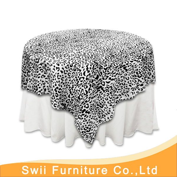 China Plastic Table Cover Round Decorative Table Cloth Dark Blue Poly  Jacquard Tablecloth Luxury Banquet Damask