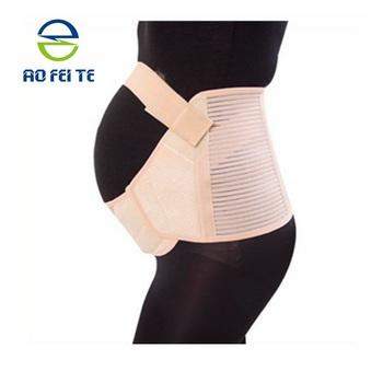 Schwangere frauen in latex