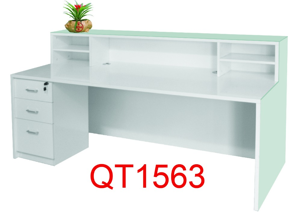 Captivating Modern Style Curved Front Desk Table Factory Sell Directly QT2210