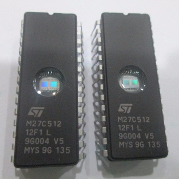 64K x 8 UV Memory IC 512Kb Parallel 150ns 28-CDIP M27C512-15F1 EPROM