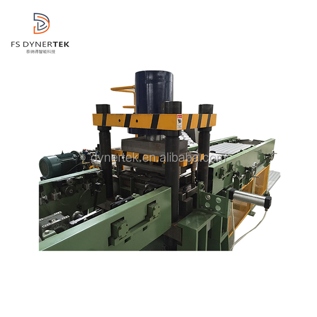 Traverse trim press machine