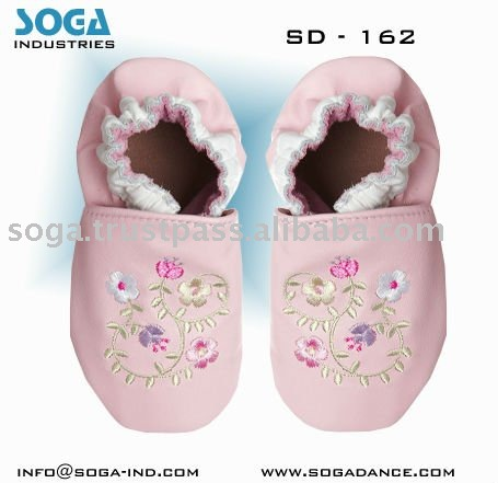 bear feet baby shoes