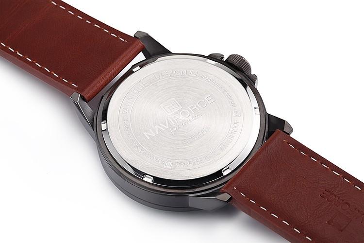 695176fae89 2018 Marca NAVIFORCE 9028 Relógios homens Casuais relógio de Quartzo de  Couro relógio de pulso Militar