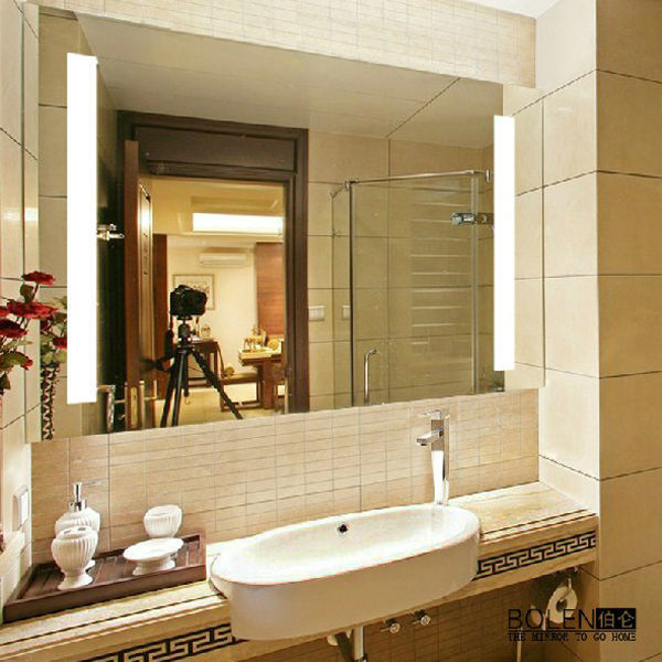 https://sc01.alicdn.com/kf/HTB1CbaBKFXXXXX4XFXXq6xXFXXXr/Wall-Mounted-Bathroom-Mirror-With-Led-Lighting.jpg