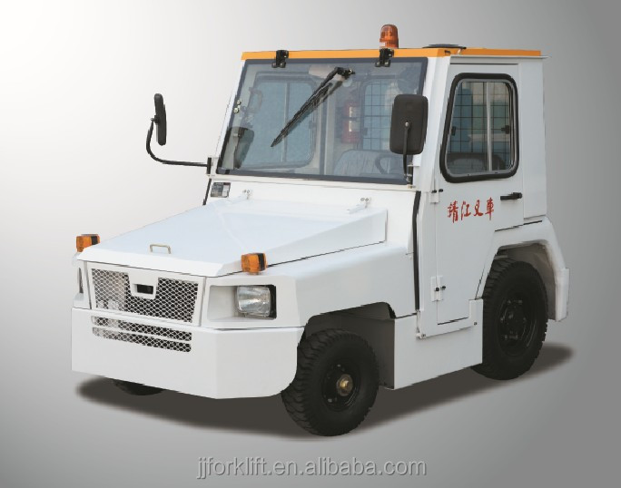 Baggage Towing Tractor with Cabin towing airport heavy duty tow truck