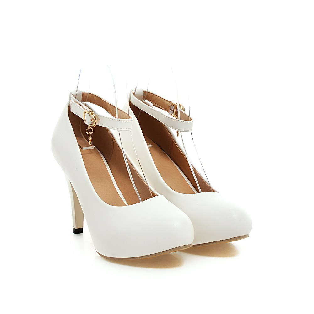 The shoe-for-all-seasons is an indispensable addition to your footwear collection! This leather pointed toe pump has high stiletto heel and waved side detail that adds a sexy stylish twist to the othe.