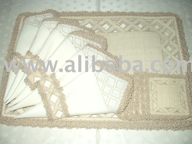 Raffia with cutwork design placemats