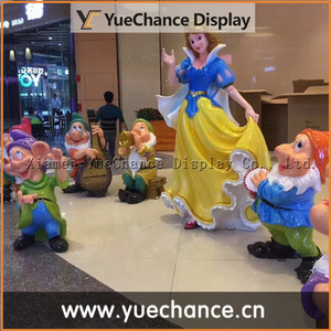 Outdoor Decorative Resin Snow White and Seven Dwarfs Statue