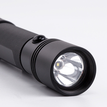 Every Day Carry(EDC) Car use 4-in-1 flashlights Emergency aluminum window breaking Vehicle Safety Tool