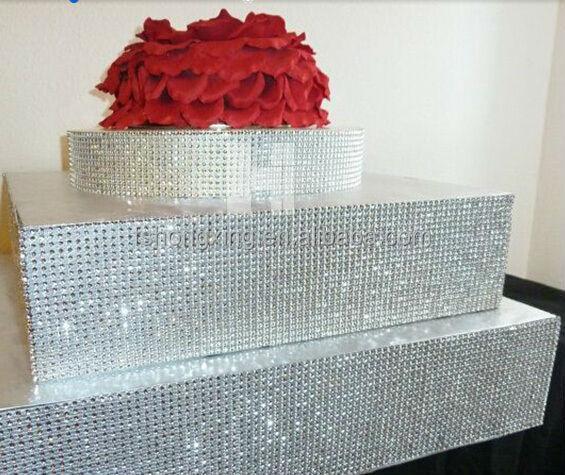 hei er verkauf runde hochzeitstorte stehen kristall kuchen st nder tortenplatte mit h ngenden. Black Bedroom Furniture Sets. Home Design Ideas