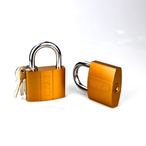 red color painted iron padlock 38mm
