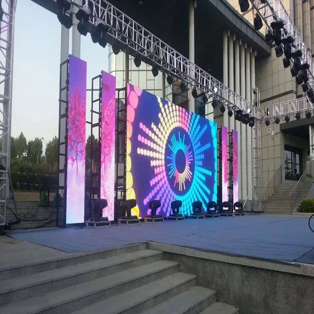 Hot sale 500*1000mm <strong>portable</strong> flexible <strong>screen</strong> rental p4.81 outdoor led display