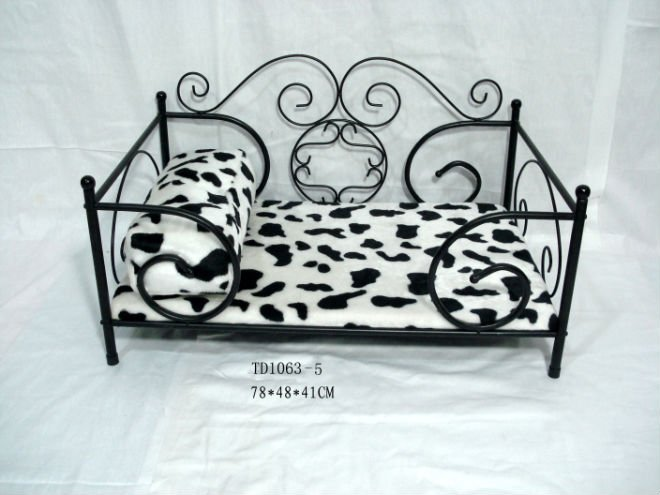 Luxury iron pet bed cot,cheap iron beds