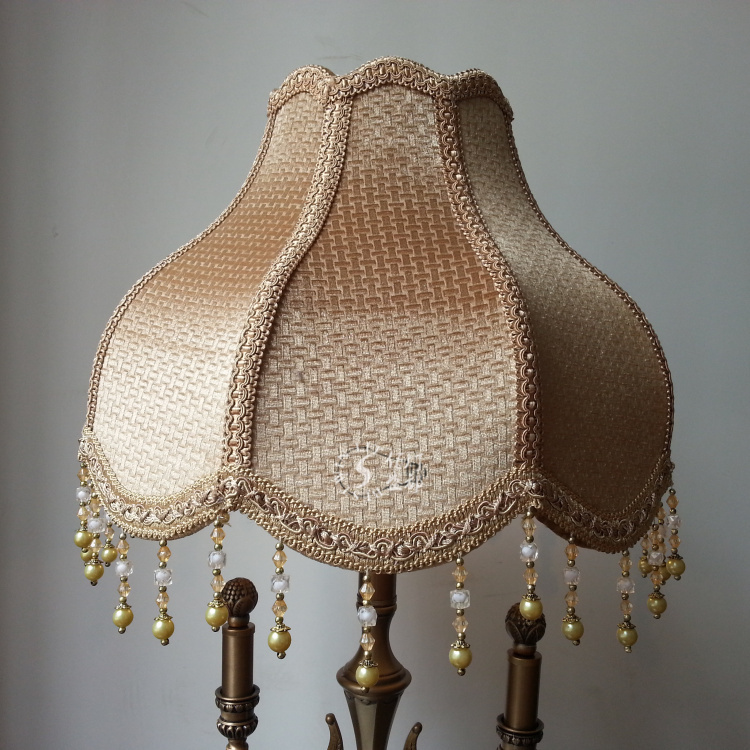 surdimensionn lampe abat jour de plancher de luxe style occidental r tro en daim pais perles. Black Bedroom Furniture Sets. Home Design Ideas