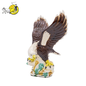 Chinese porcelain hand painted fancy eagle ceramic custom statue figurine reproductions