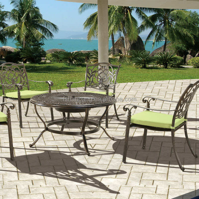 jardin ext rieur 4 person patio en fonte d 39 aluminium si ges profonds bbq foyer chaise set de. Black Bedroom Furniture Sets. Home Design Ideas