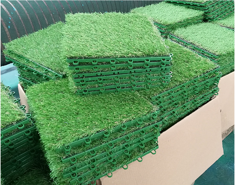 1 Floor Height Stock Interlocking Artificial Grass Tile
