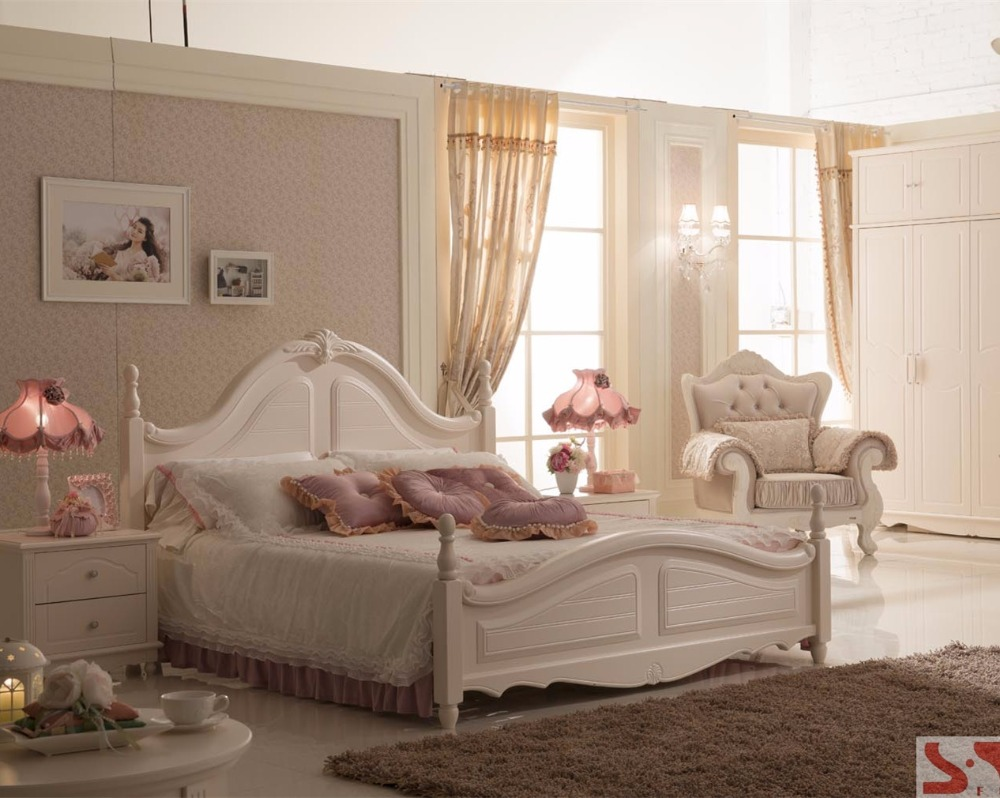 https://sc01.alicdn.com/kf/HTB1D026mvJNTKJjSspoq6A6mpXac/oversized-bedroom-furniture-king-size-bed-home.jpg