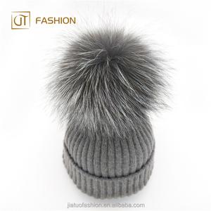 41b4b3a4bf5 Fur Hat