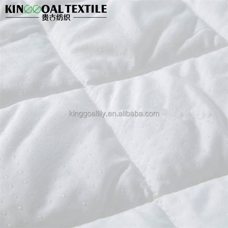 Wholesale 100% cotton shell mattress pad filled in silk in white color king size