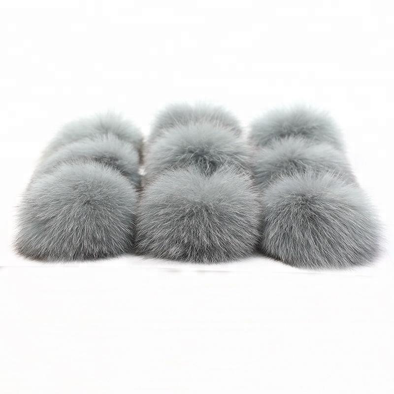 Wholesale Large Fluffy Smooth Baseball Hat Silver Fox Fur Pom Pom ... 1132817b8da