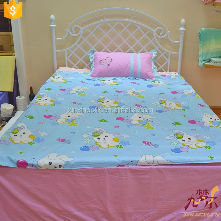 Washable 100% baby soft silk quilt with bright color