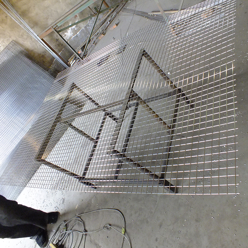 Strong 2x2 Welded Wire Mesh Fence Panels In 6 Gauge For Building 3 X Galvanized
