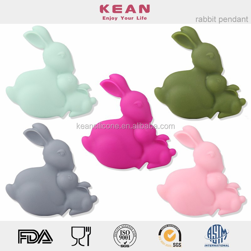 Latest silicone natural rabbits nursing pendant best teething toy for baby