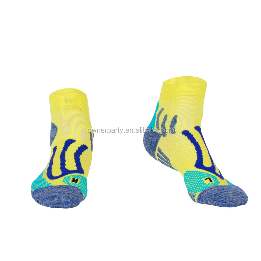 Bulk Men 100% Cotton Football Socks Free Sample Wholesale