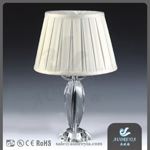 small MOQ modern style K9 clean crystal table lamp with white pleated round lamp shade for hotel decory UL CE certificate