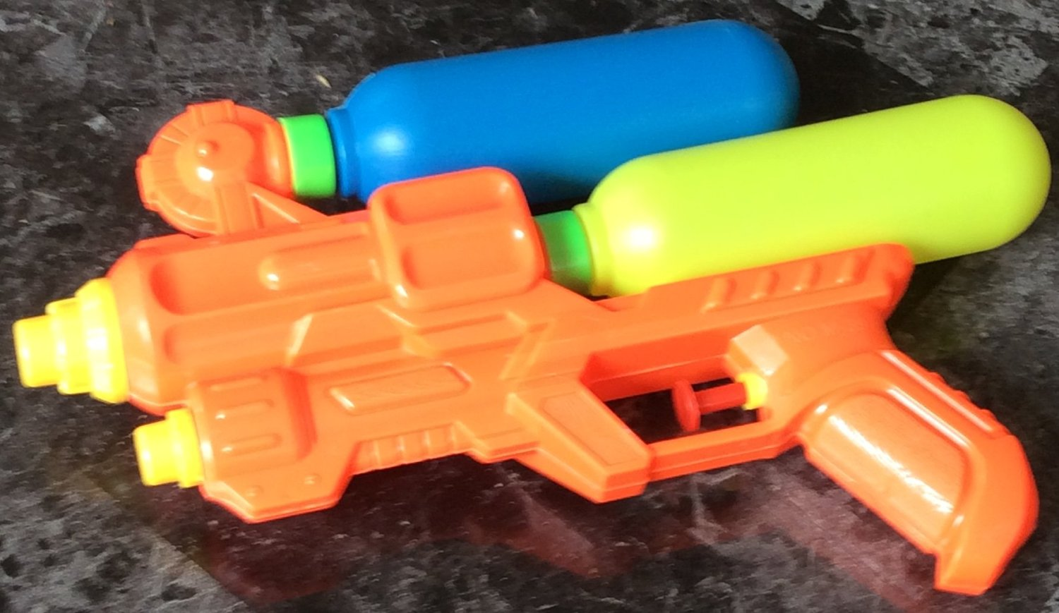 Big Water Gun with double tanks with long shooting range