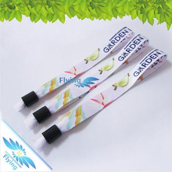 Festival Tissu Bracelet Textile (bracelets) Avec Fermoir En Plastique À  Vendre , Buy Bracelet En Tissu,Bracelet En Tissu,Bracelet En Tissu Product  on