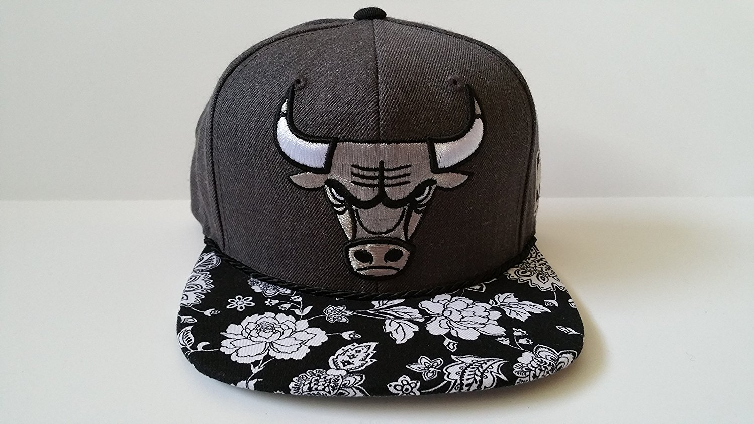 half off 09012 9f595 Get Quotations · Mitchell and Ness NBA Chicago Bulls Custom Snapback Cap,  Hat  Flowers