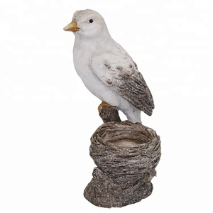 OEM home daily decor pop resin bird feeder figurine for Kid gift