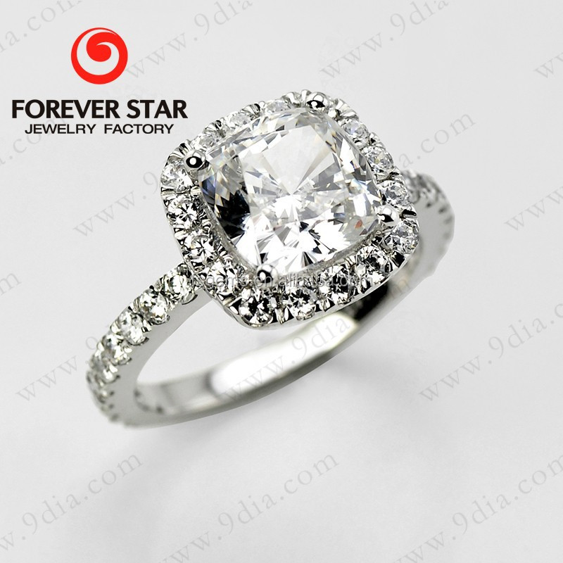 China Alibaba 2018 Best Selling High Quality Moissanite D color VVS Halo 18K White Gold Engagement Ring Diamond