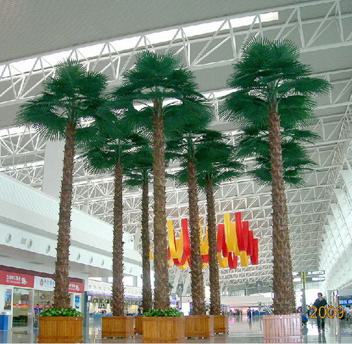 worlds largest artificial tree - 700×684
