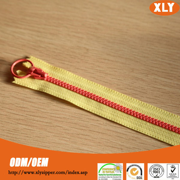 Fashion apparel accessory colored plastic zipper for bags and garments
