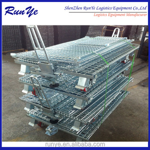 Adjustable storage mesh cage in warehouse/standard wire container with placard in front