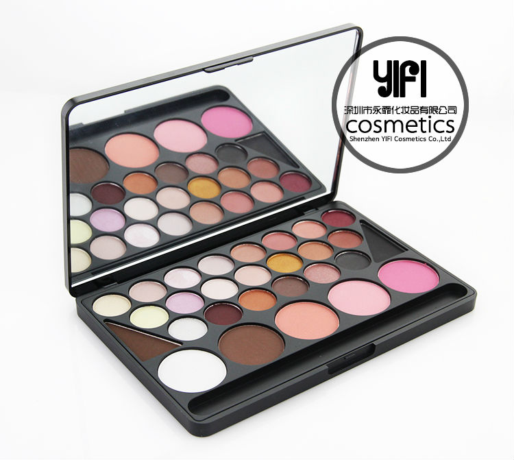 28 color eyeshadow concealer and blush combo makeup palette